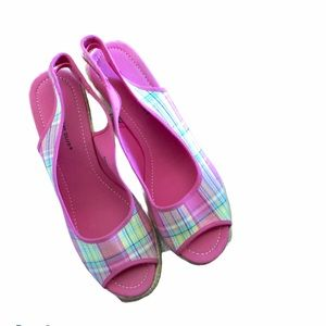 Montego Bay Club Pretty pink plaid sandals Sz 9